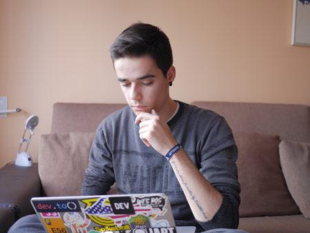 trabajar como desarrollador web desde casa